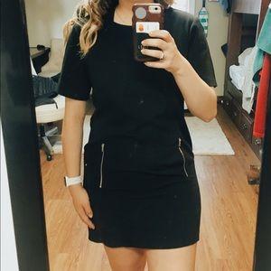 Dresses & Skirts - BLACK SHIFT DRESS